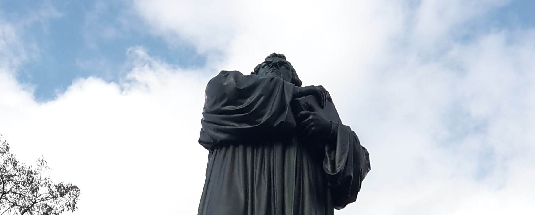 Lutero_statua_Eisenach